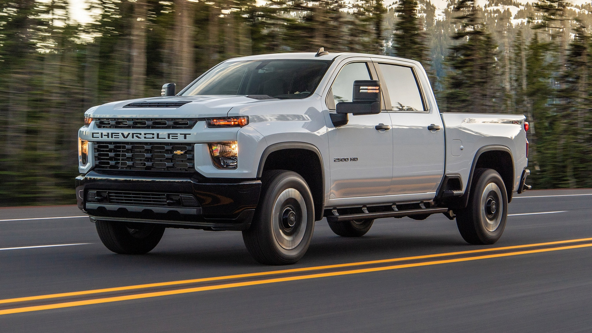 10 Chevrolet Silverado 10HD/10HD First Drive: Heavy Lifter - chevrolet pickup 2020