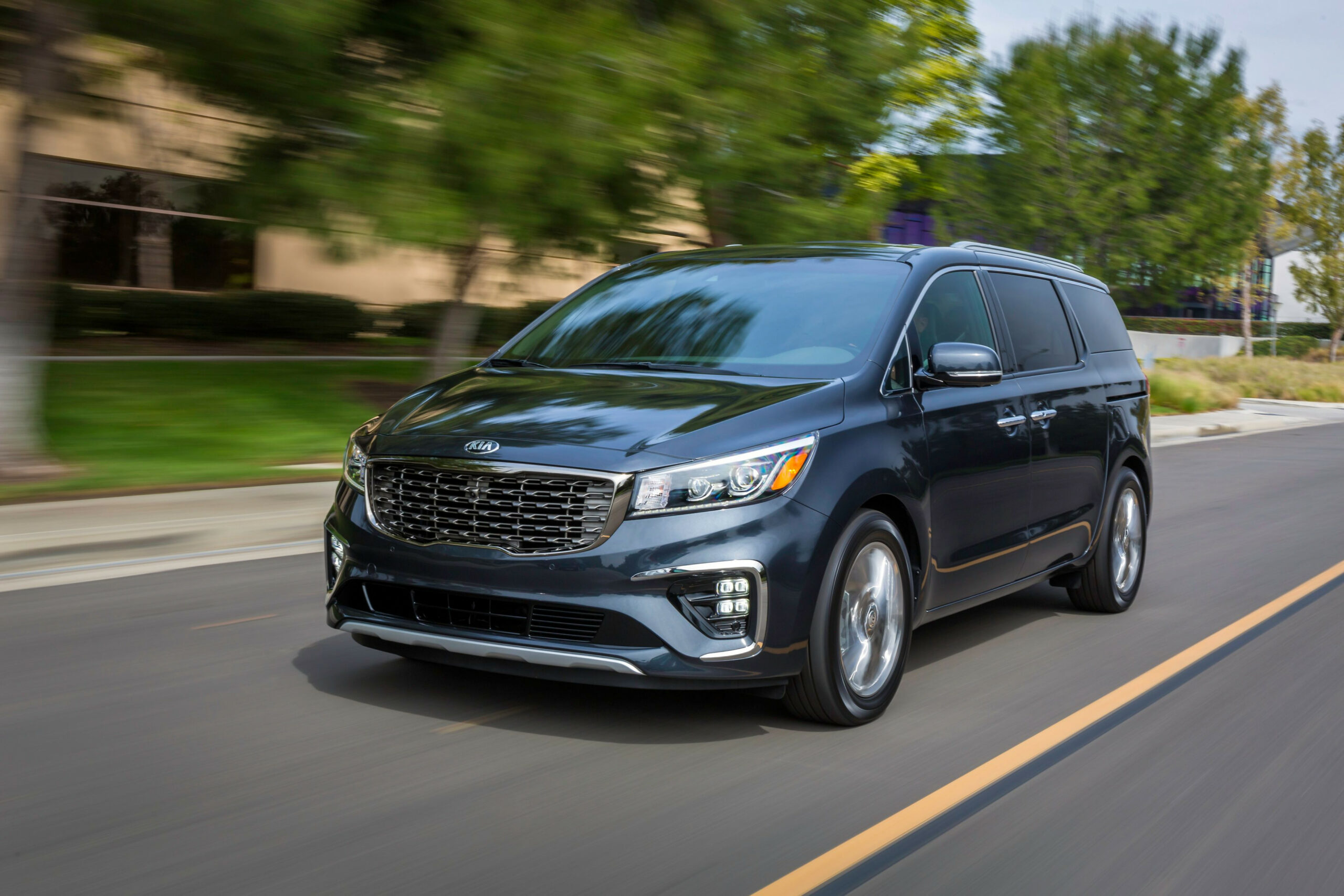 10 Kia Sedona Review, Pricing, and Specs