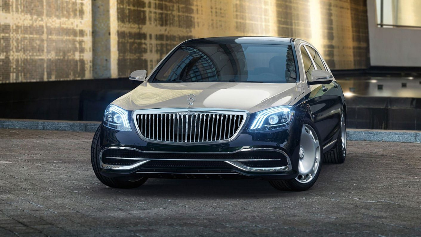 10 Mercedes-Maybach S10/S10 Review, Pricing, and Specs