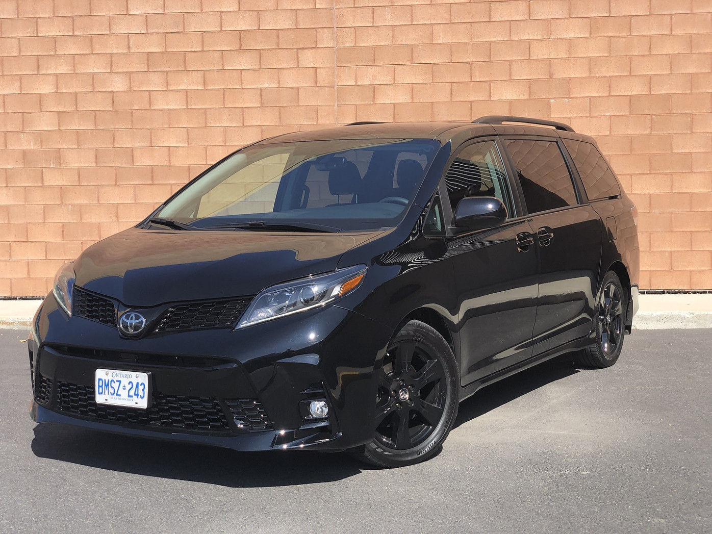 10 Toyota Sienna SE Review: The Nightshade Edition, AKA The ..