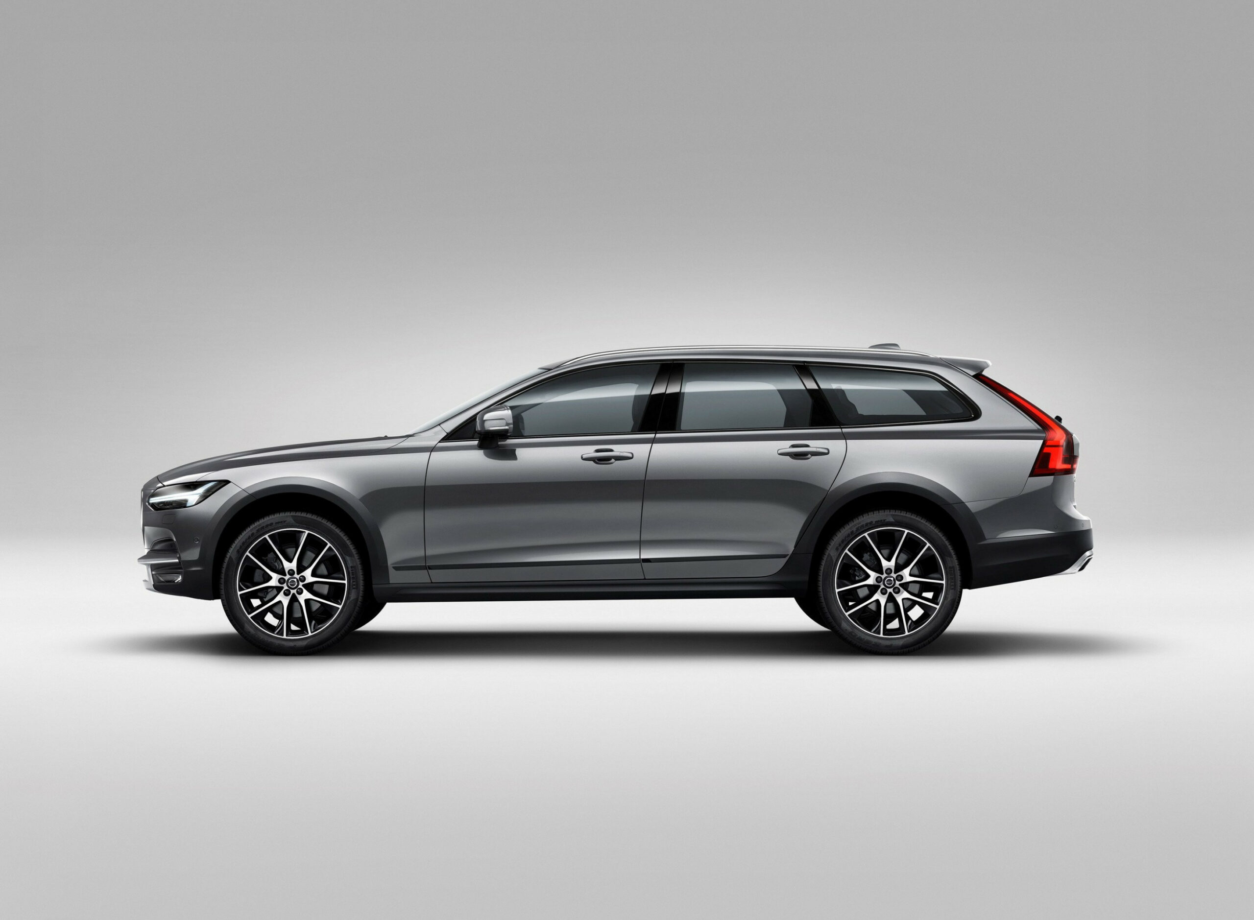11 All New 11 Volvo Xc11 New Generation Wagon And - Volvo V11 ...