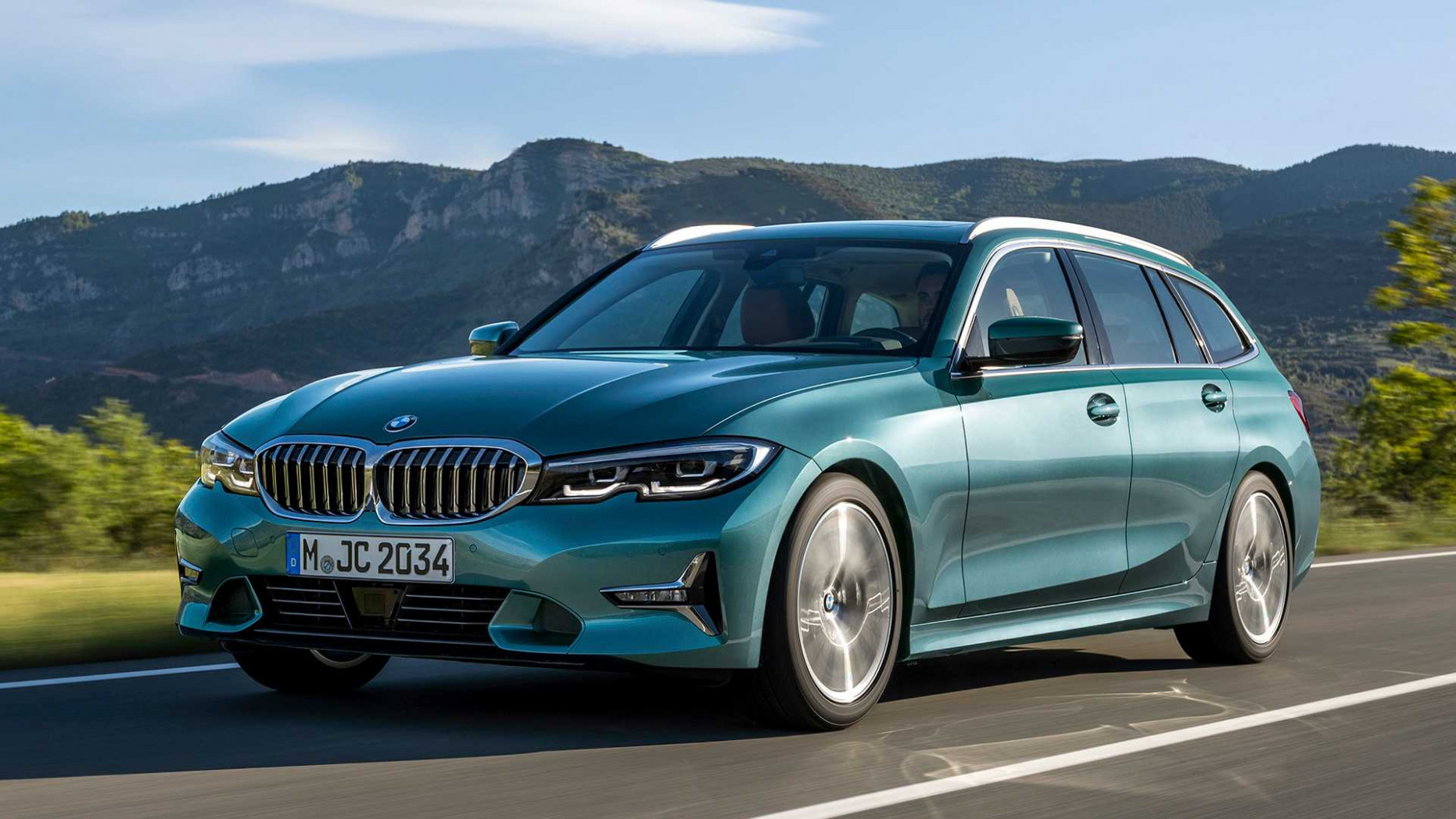11 BMW 11 Series Touring Debuts Its Long Roof Lines For Euro Buyers