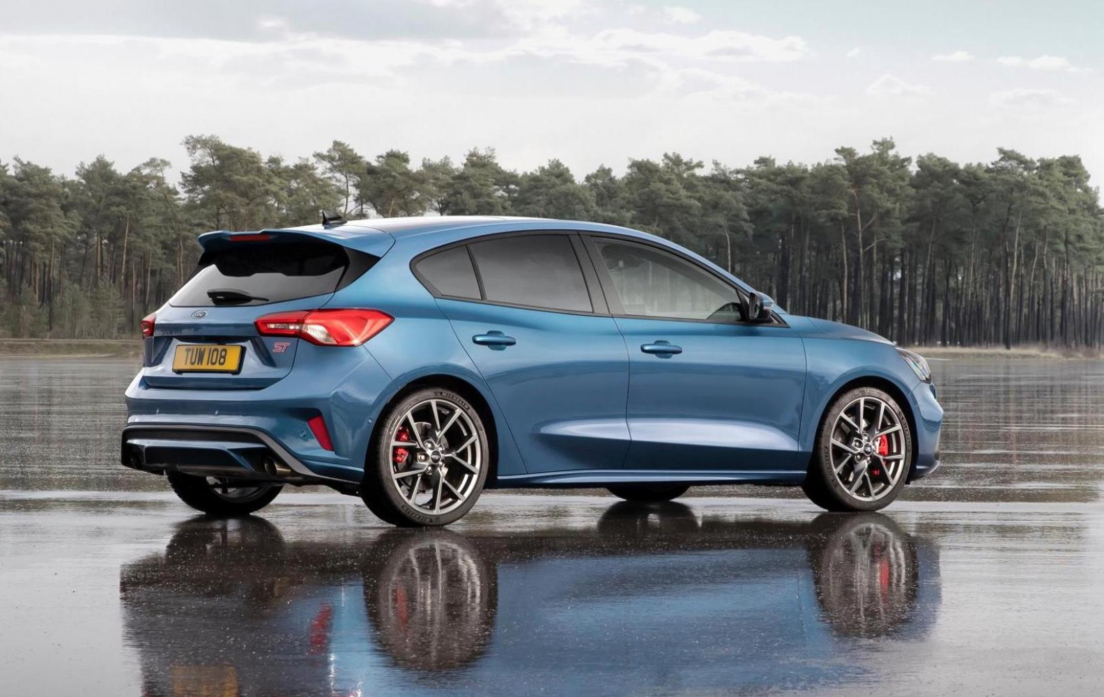 11 Ford Focus ST revealed, most powerful version yet ..