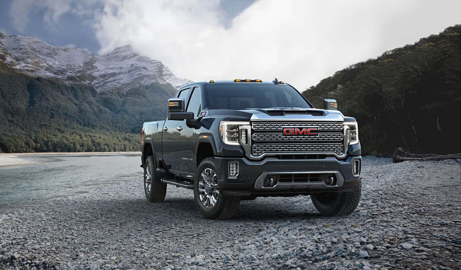 11 GMC Sierra HD hauls in lower starting price than previous model