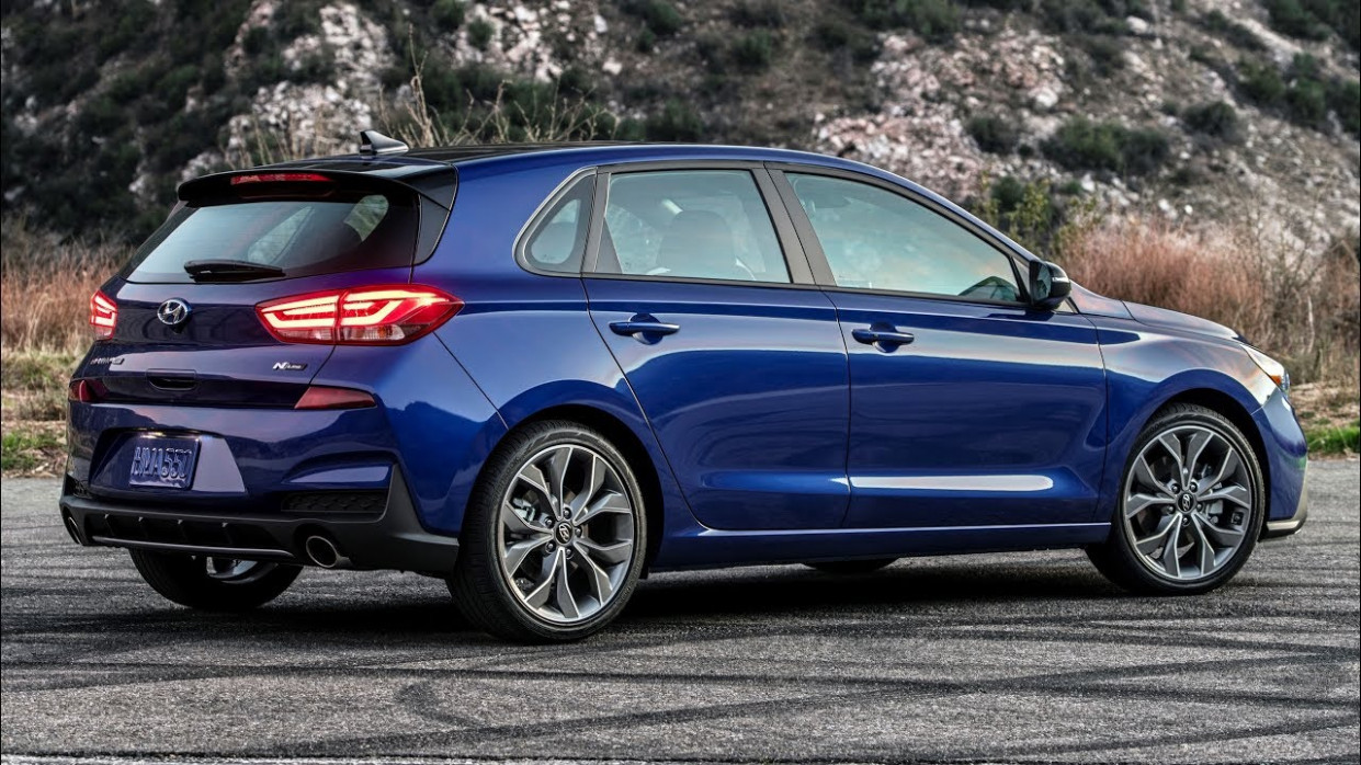 11 HYUNDAI ELANTRA GT: PREVIEW, PRICING, RELEASE DATE