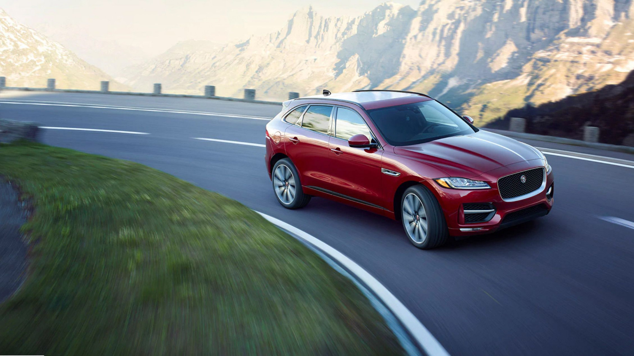 11 Jaguar F-Pace Review, Pricing, and Specs - jaguar jeep 2020