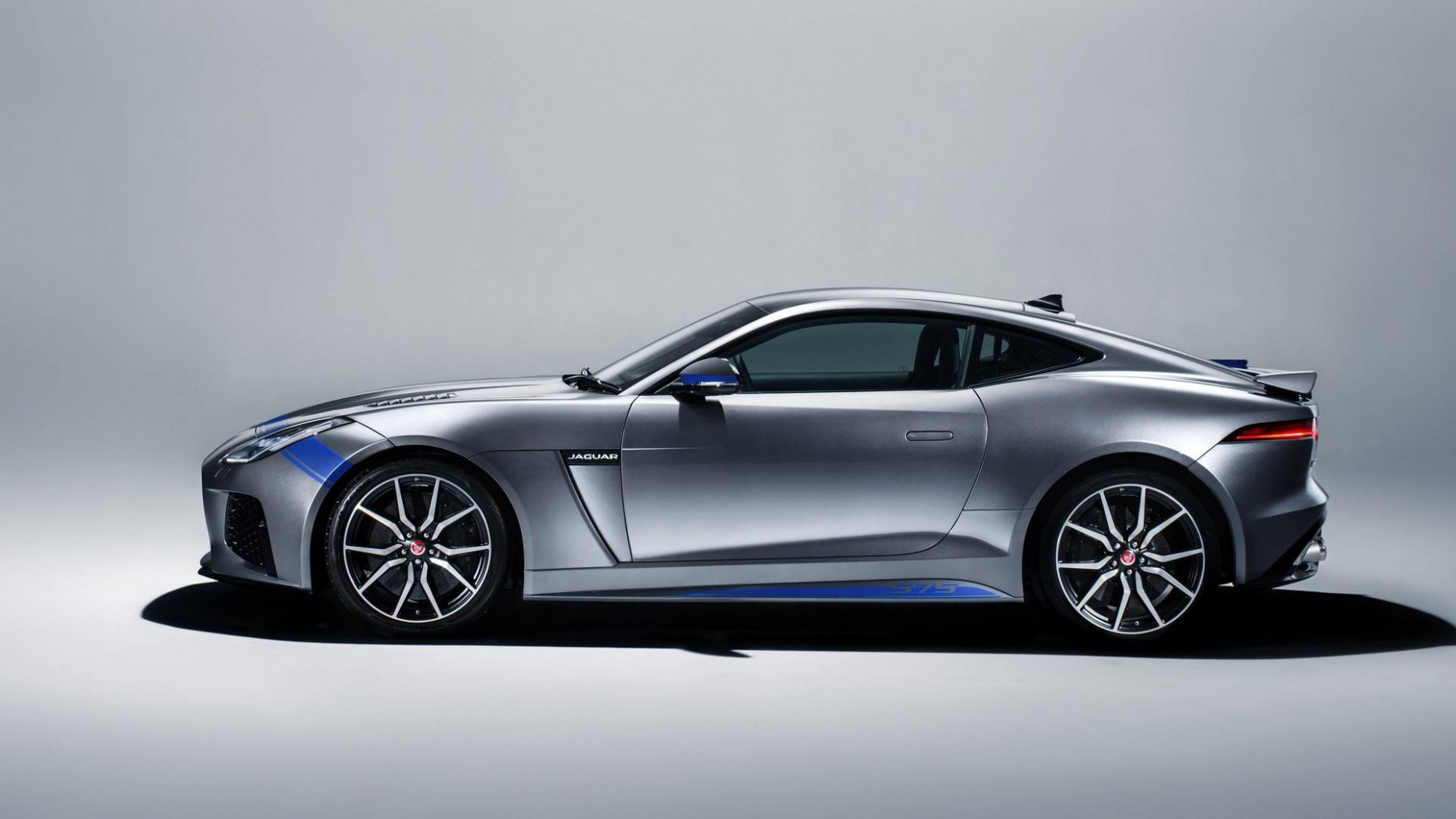 11 Jaguar F-Type Coming With Seating For Four, BMW Twin-Turbo V11 ...
