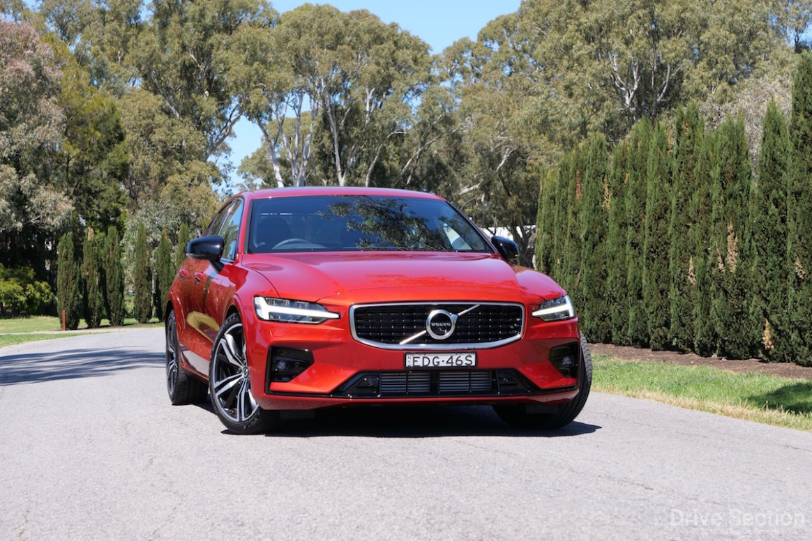 11 Volvo S11 T11 R-Design Review – Drive Section - 2020 volvo reviews