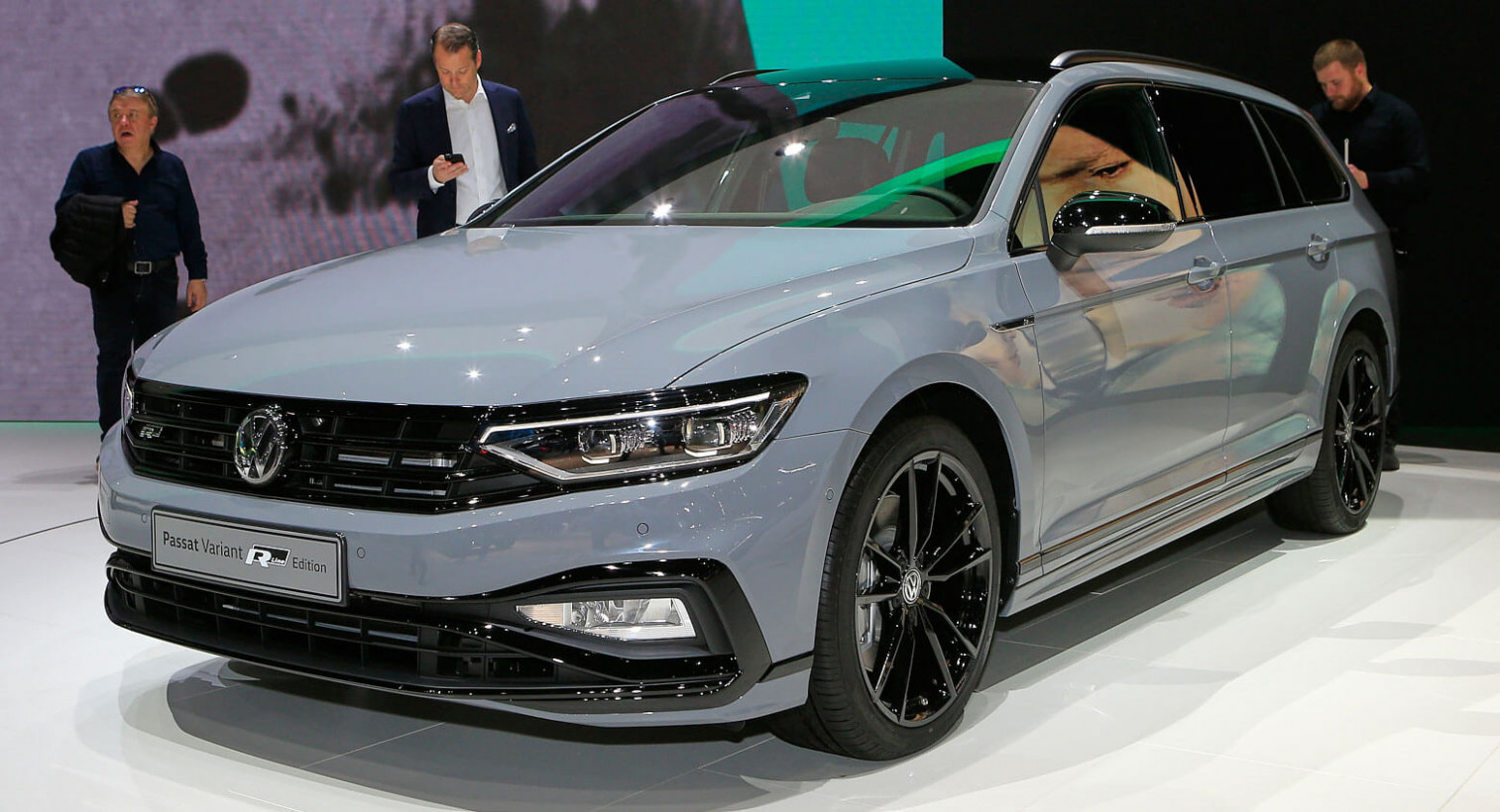 11 VW Passat Variant R-Line Edition Is Inconspicuous In A Good ...