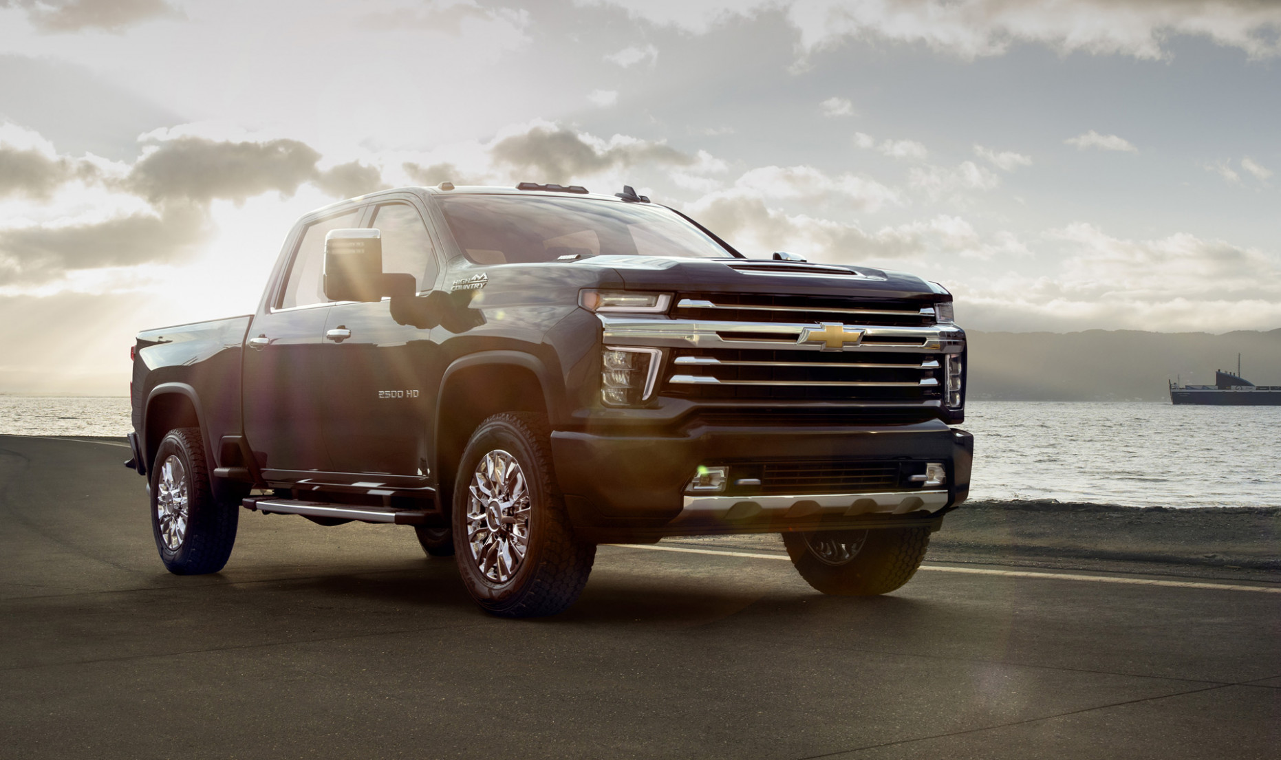 12 Chevrolet Silverado HD High Country revealed: Luxury pickup ...