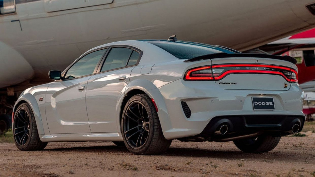 12 Dodge Charger Scat Pack Price And Review in 12 | Dodge ...