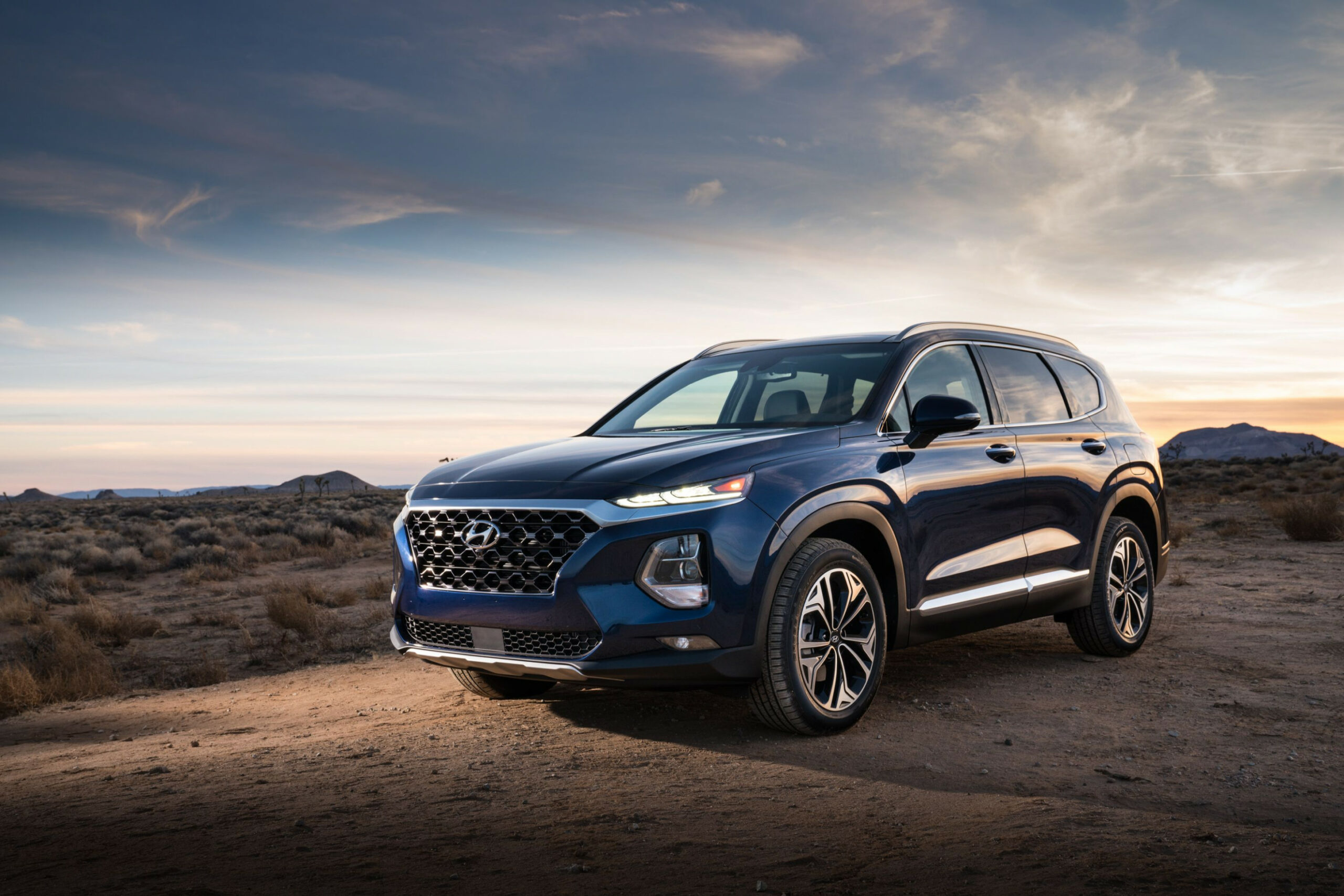 12 Hyundai Santa Fe Review, Pricing, and Specs