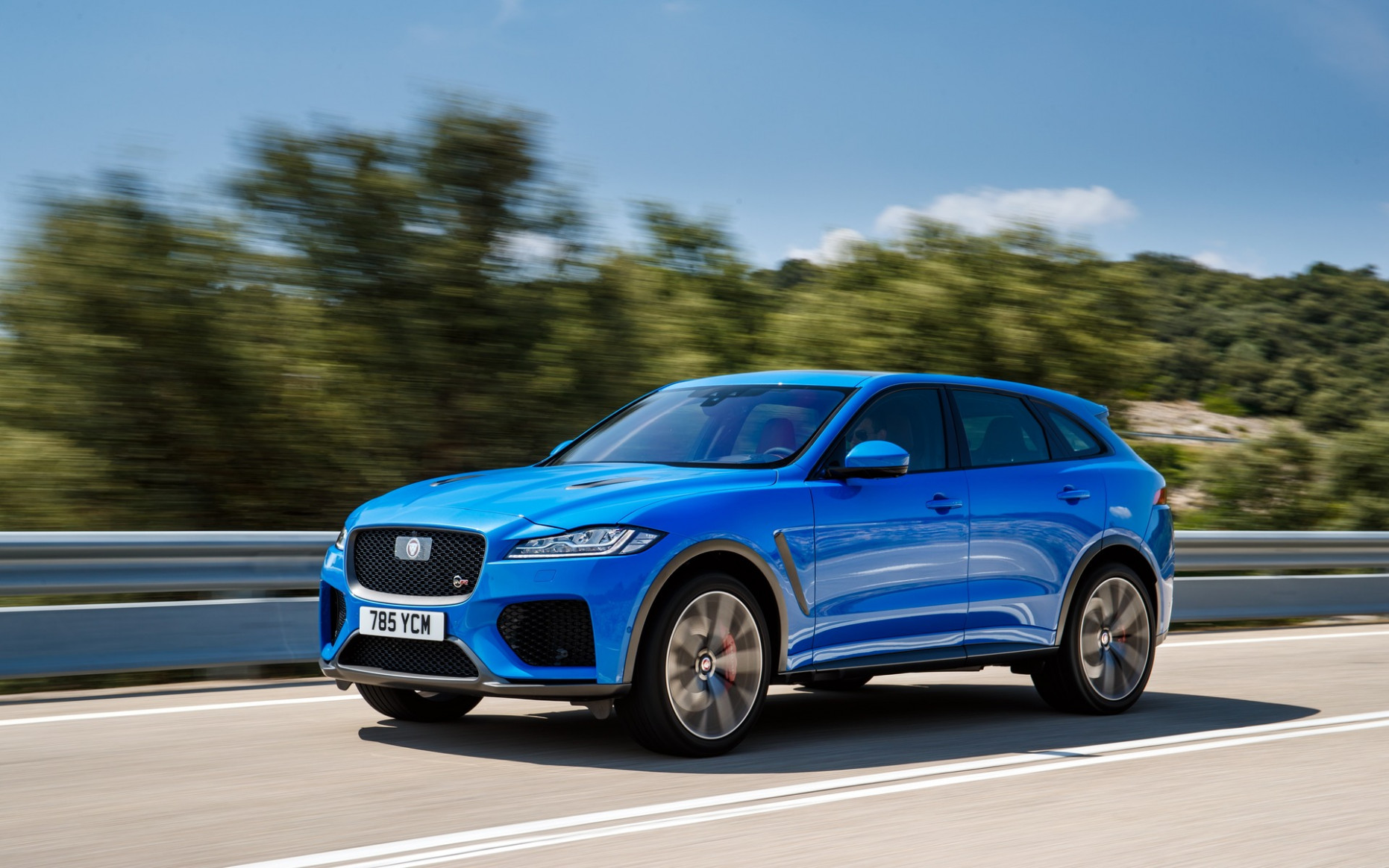 12 Jaguar F-PACE SVR: The Heart of the F-TYPE SVR - The Car Guide