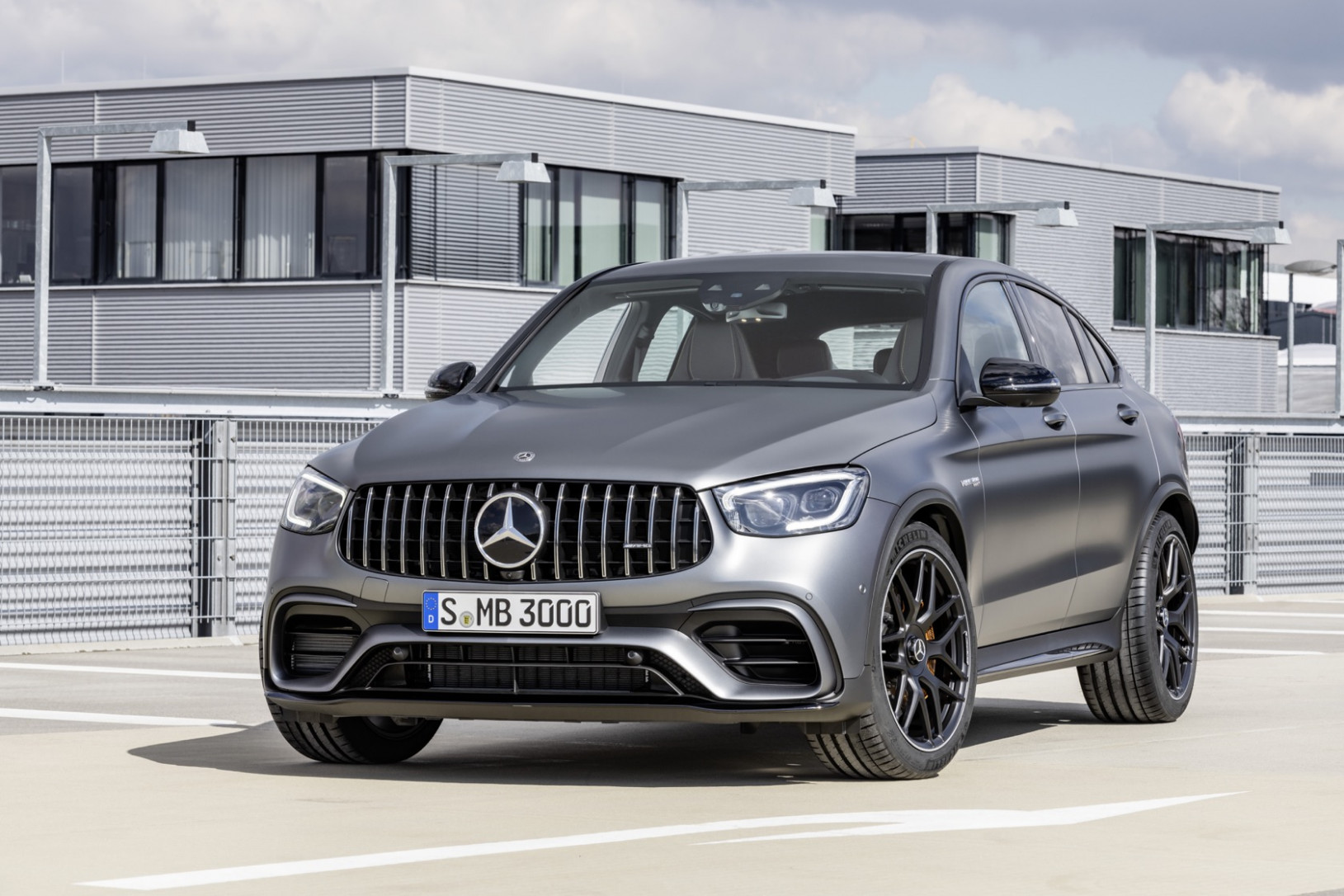 12 Mercedes-AMG GLC 12 SUV and Coupe get tech and dynamics ..