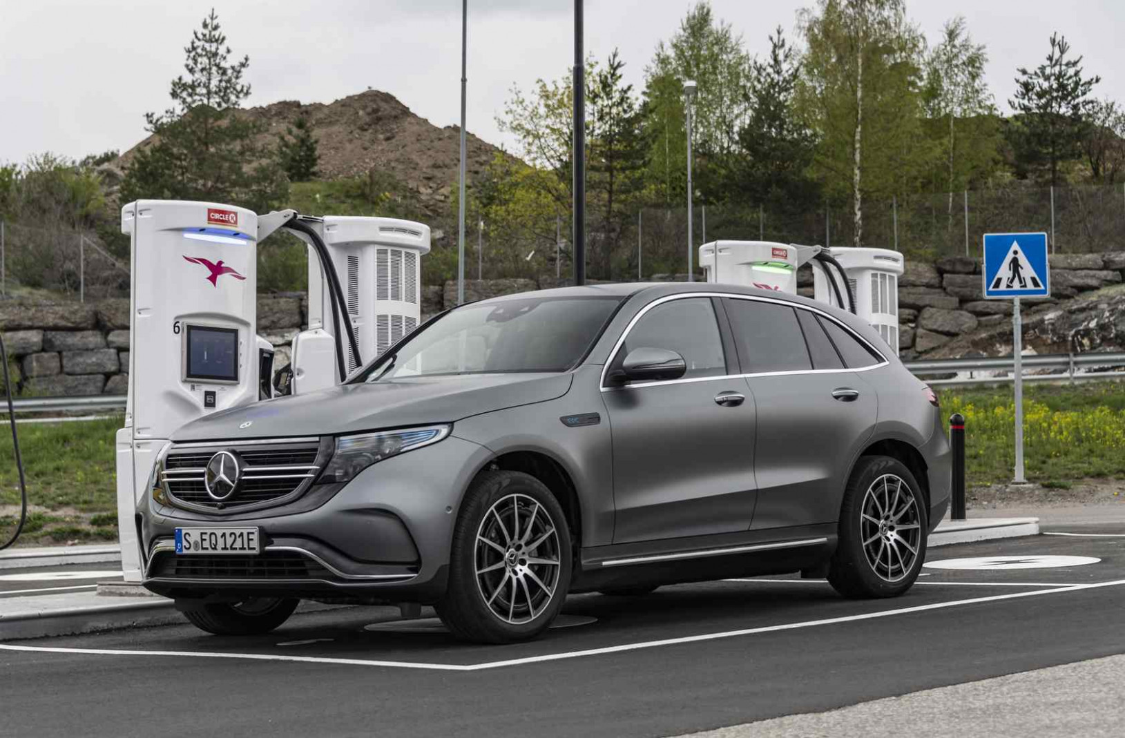 12 Mercedes-Benz EQC SUV First Drive: Luxury EV in motion ..