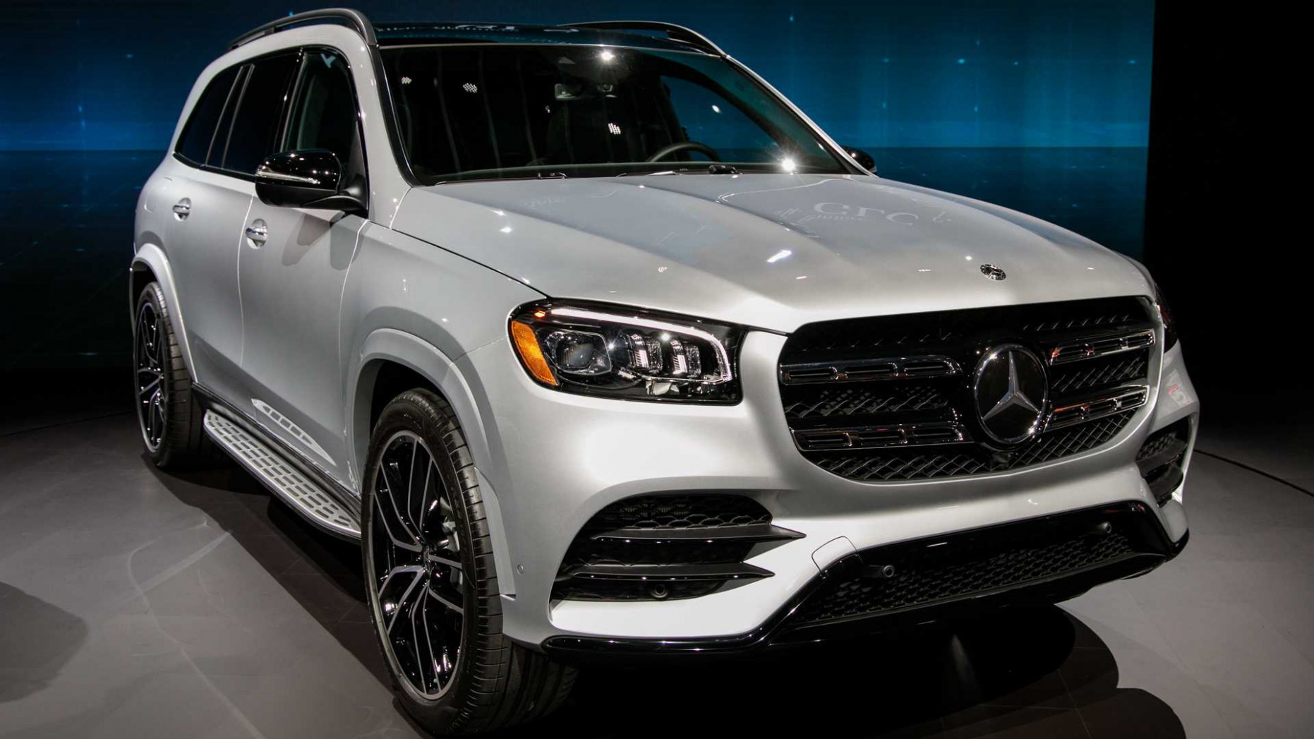 12 Mercedes-Benz GLS Debuts With Twin-Turbo V12, Room For Seven ..