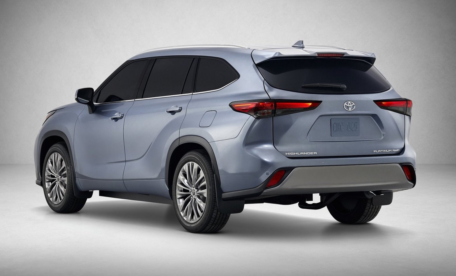 12 Toyota Kluger revealed, gets 'Dynamic Force' hybrid option ...
