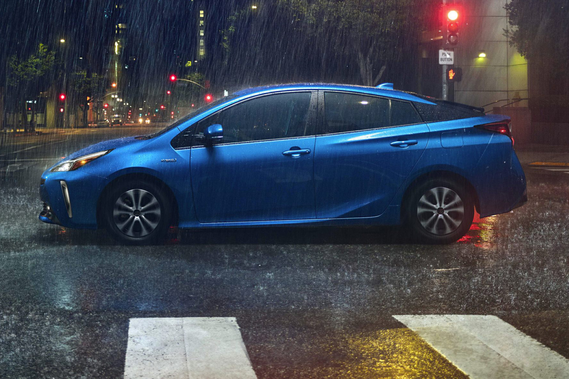 12 Toyota Prius: What's Changed | News | Cars.com