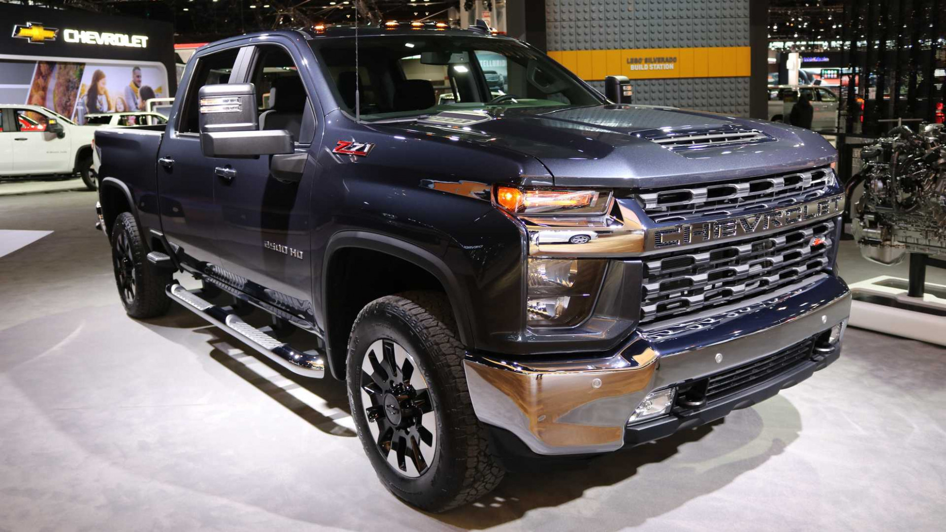 8 Chevrolet Silverado HD Has New V8, Can Tow 8,8 Pounds