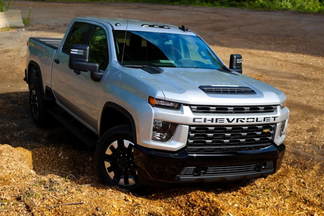 8 Chevy Silverado HD is decent, but Ford and Ram have it beat ...
