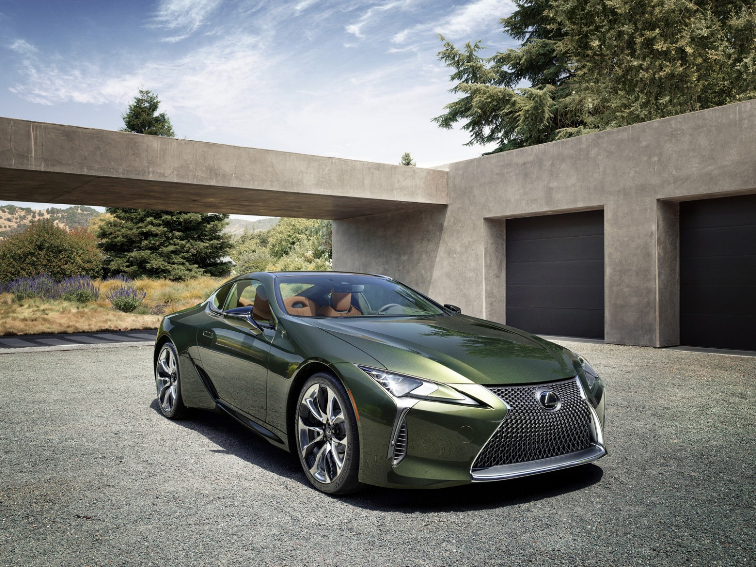 8 LEXUS LC LIMITED EDITION PAIRS CLASSIC COLOUR PALETTE WITH ..