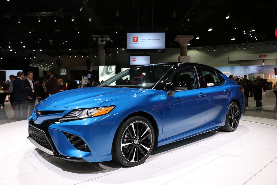 8 Toyota Camry AWD First Look | Kelley Blue Book