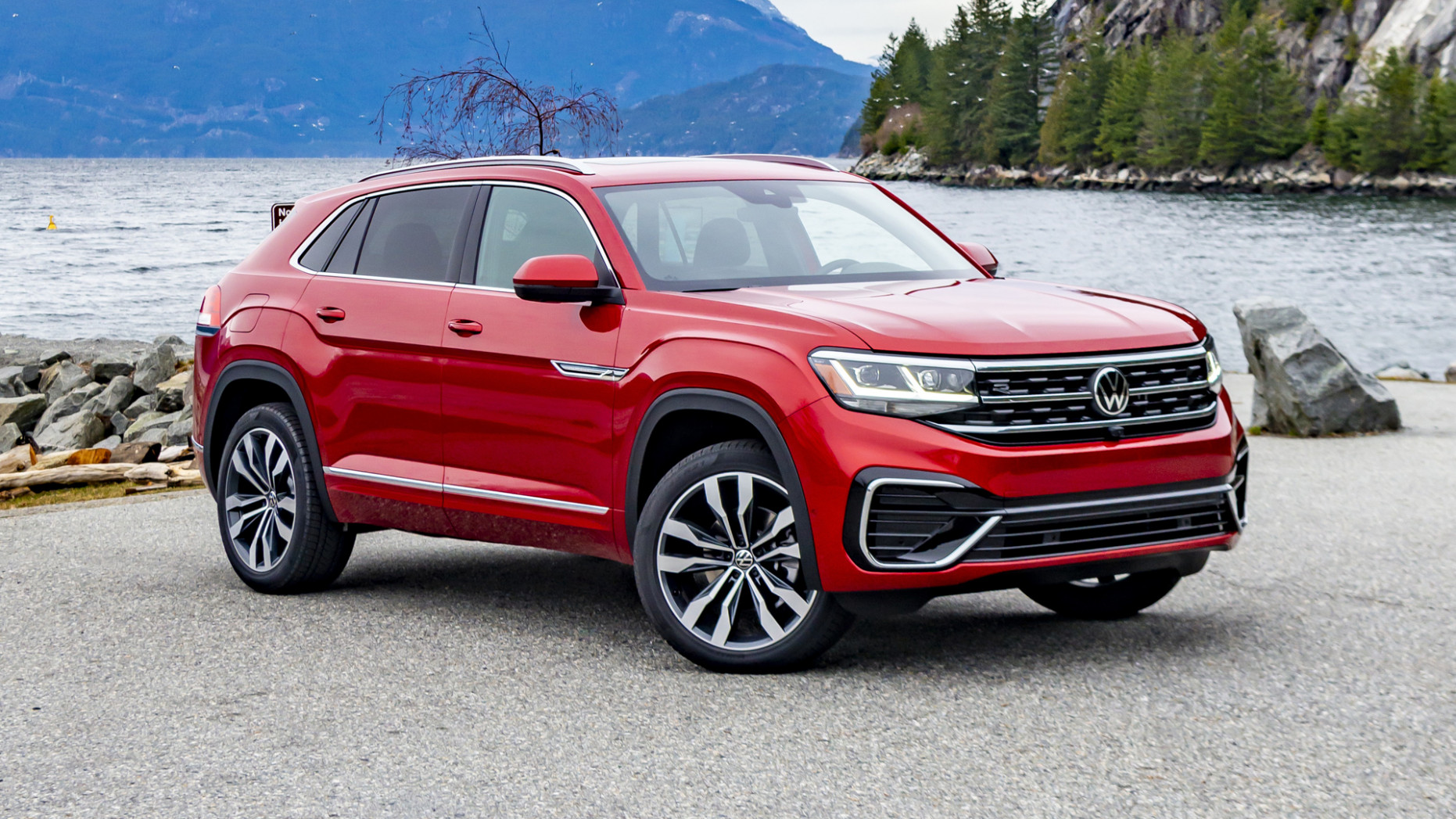 8 VW Atlas Cross Sport First Drive | What's new, space ...