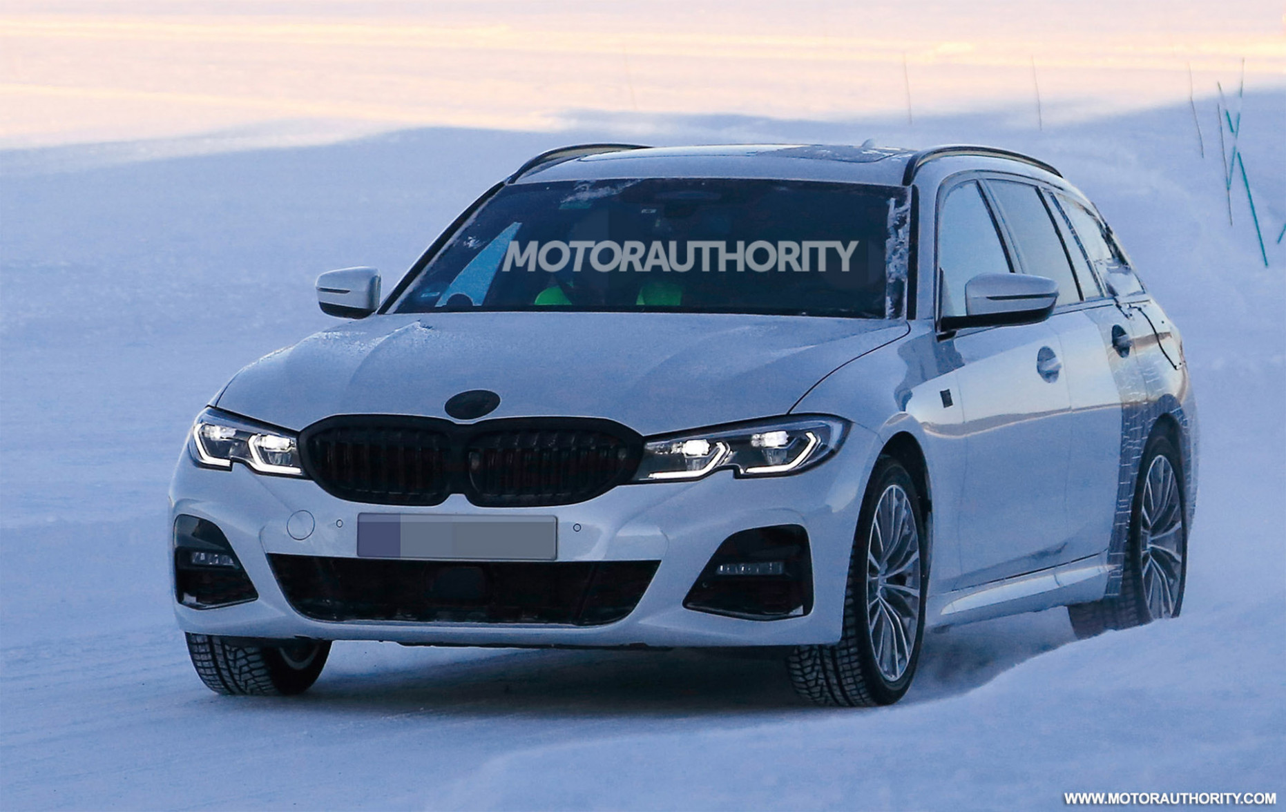 9 BMW 9-Series Sports Wagon spy shots and video