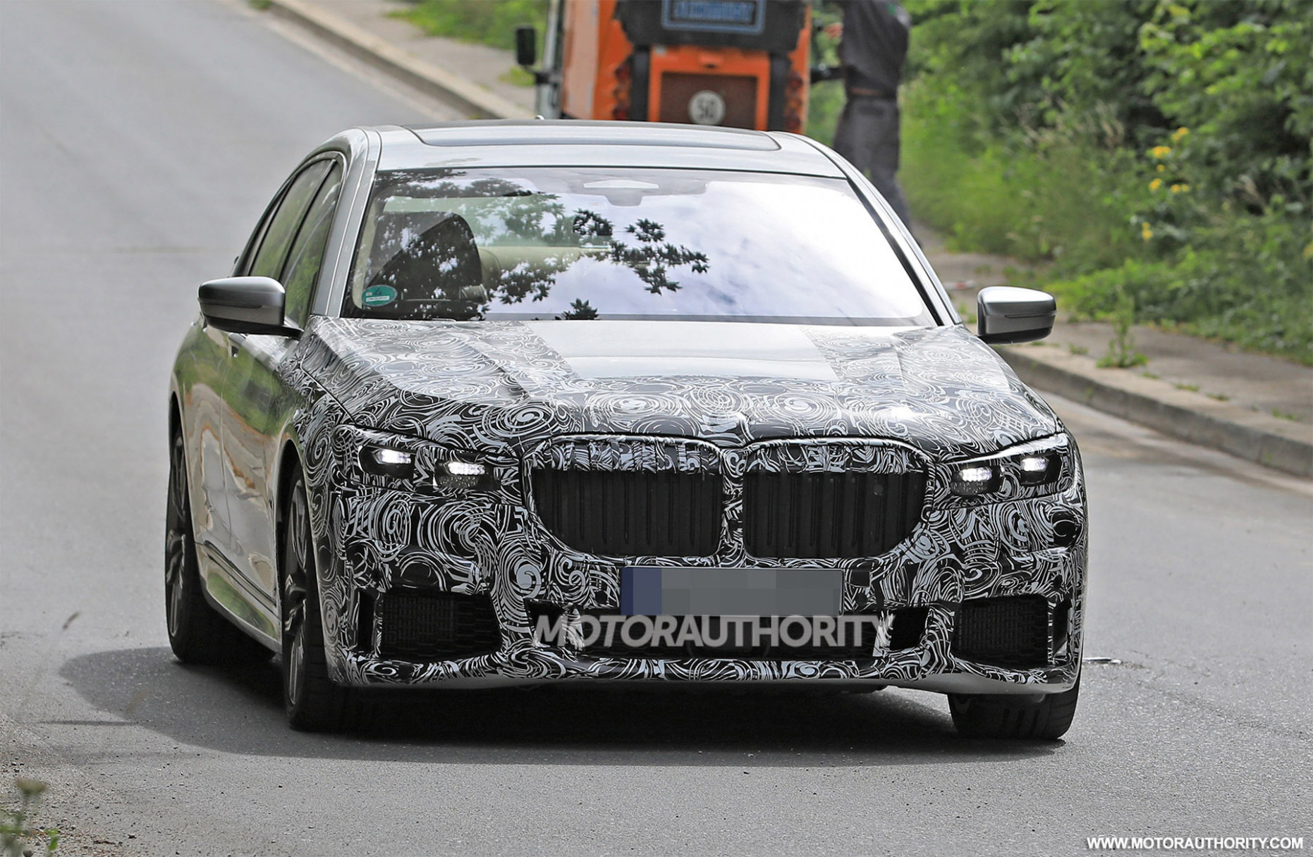 9 BMW 9-Series spy shots