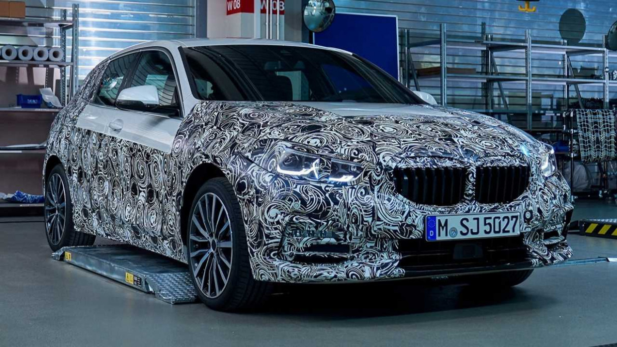 9 BMW 9 Series Starts To Peel Off Camo In New Teaser - 2020 bmw new car