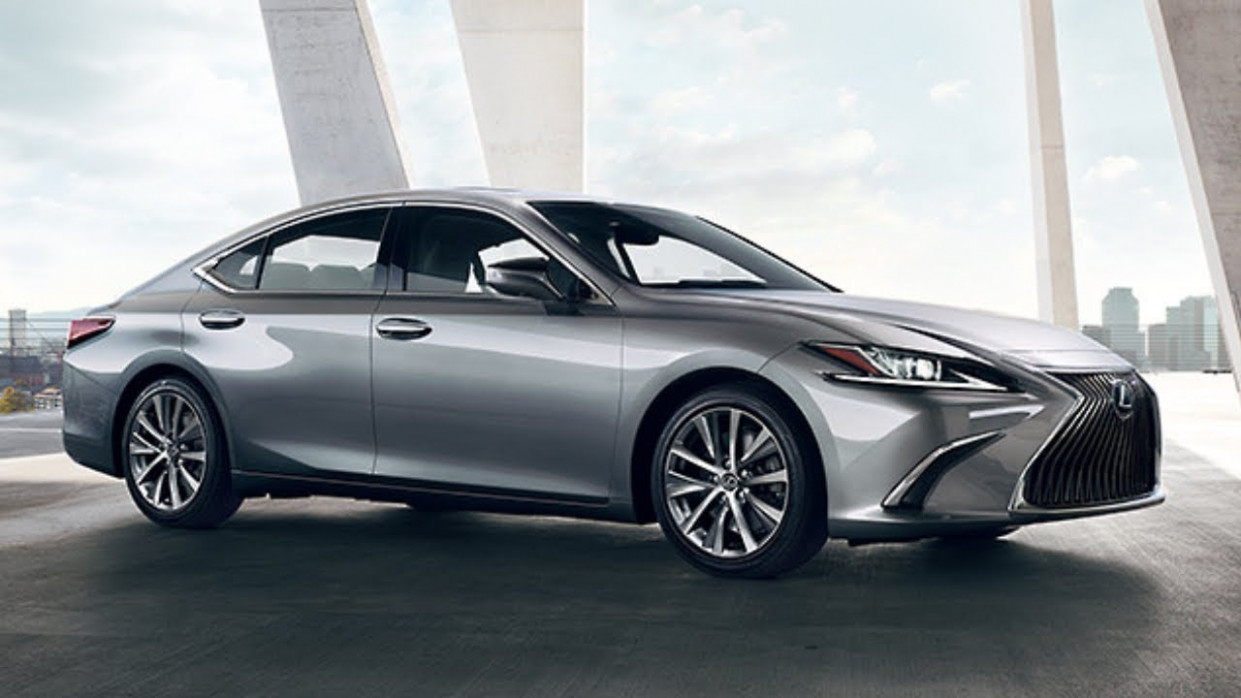 9 Lexus ES Introducing - Luxury Sedan