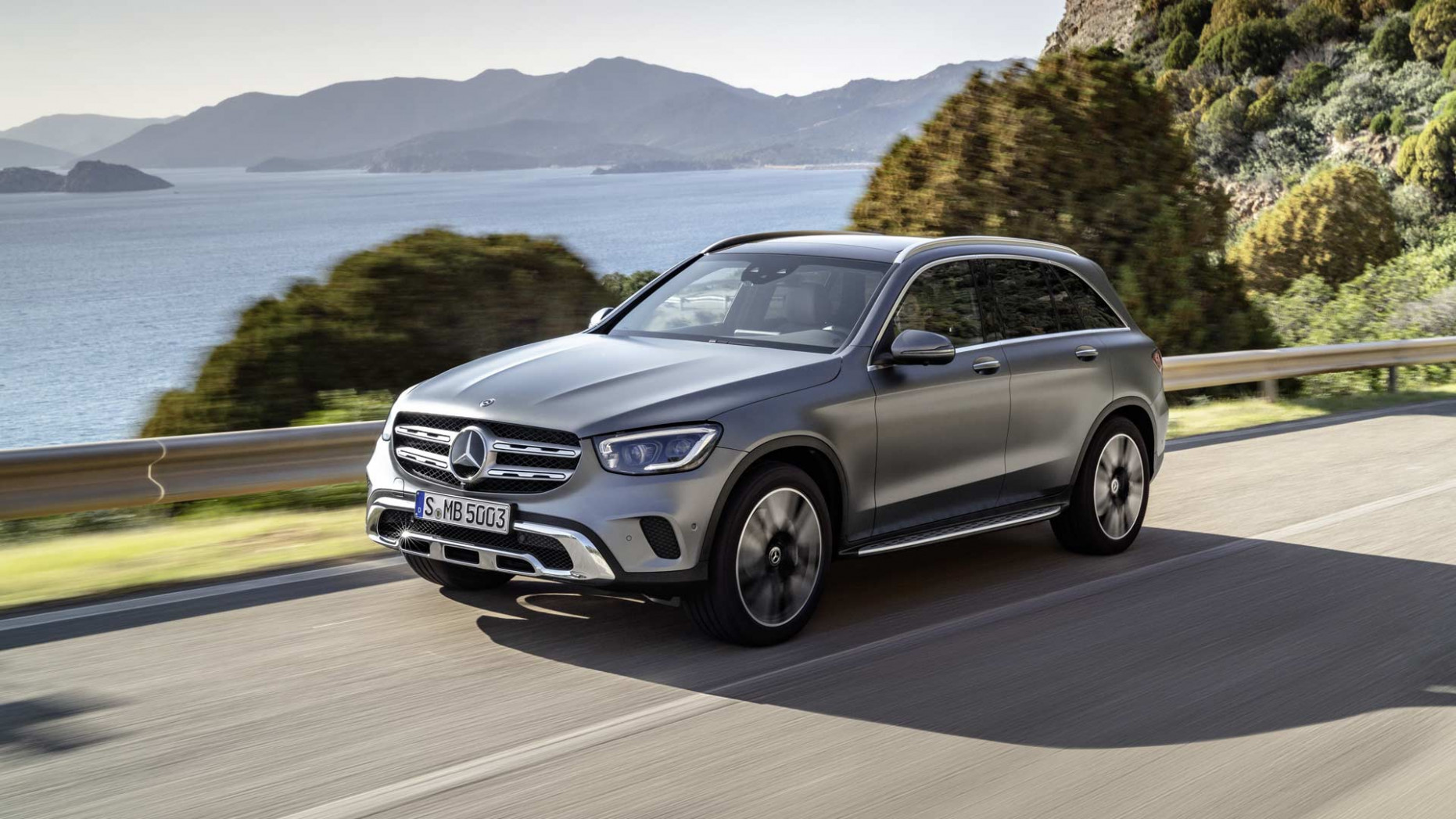 9 Mercedes-Benz GLC gets new tech, new engines - Autodevot - 2020 mercedes glc