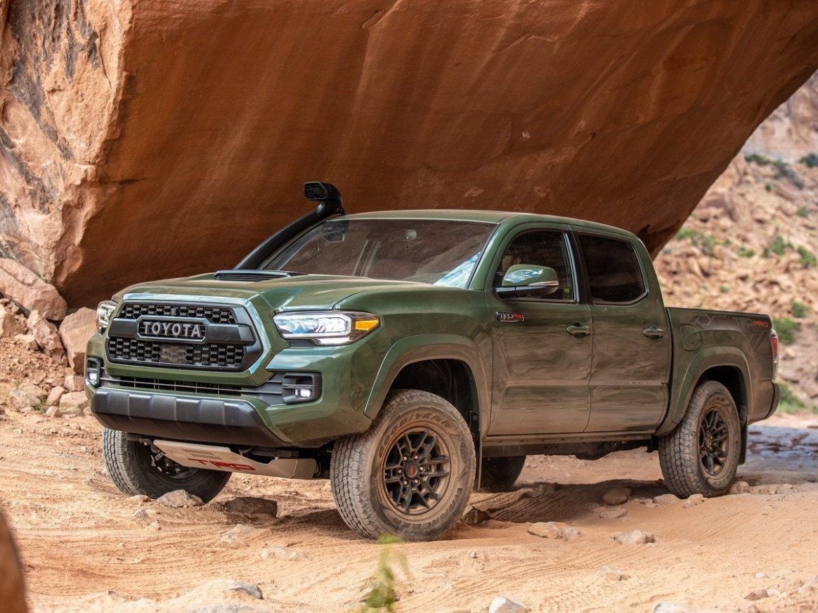 9 Toyota Tacoma First Look | Kelley Blue Book - toyota tacoma 2020 review