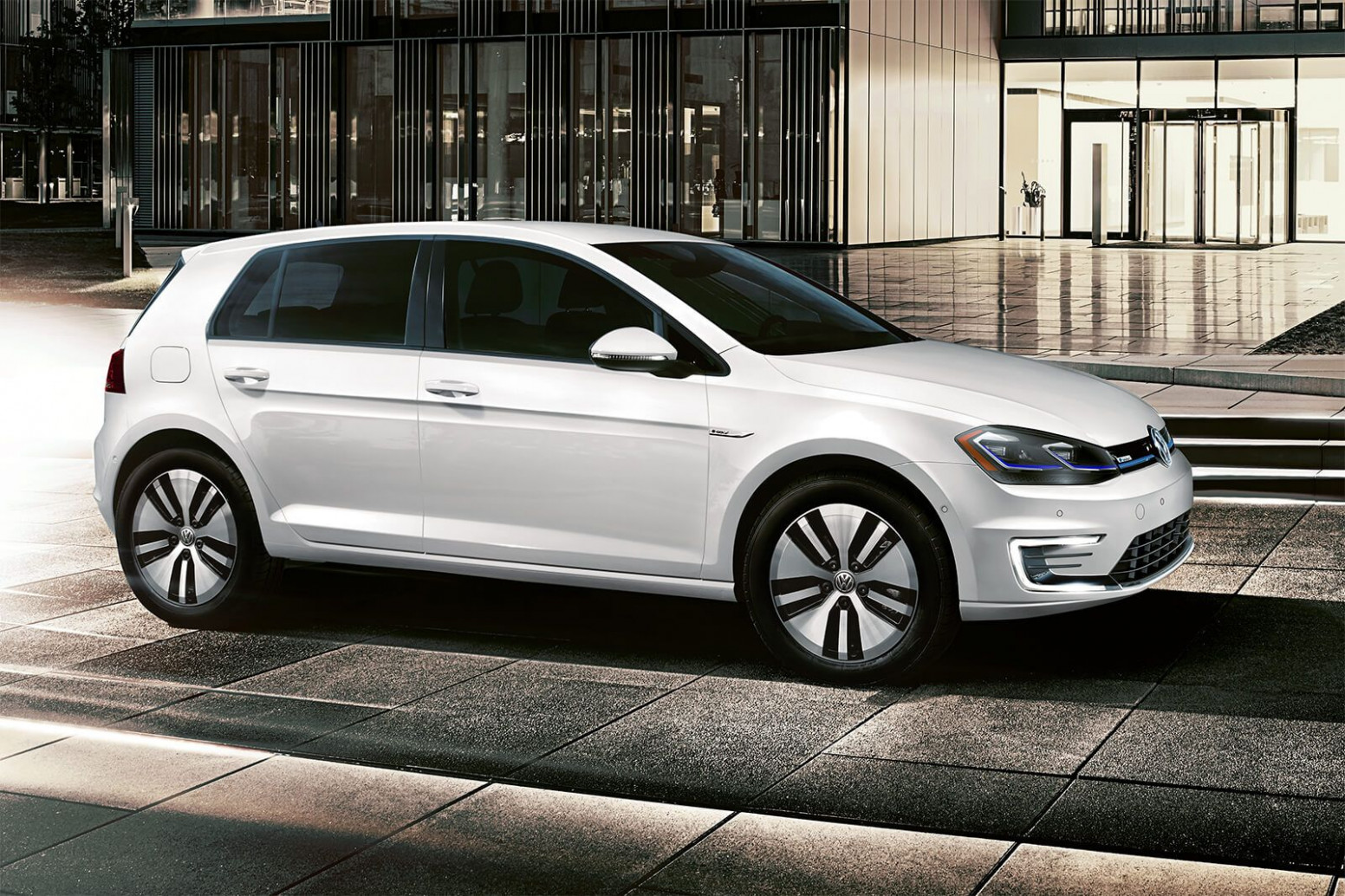 9 Volkswagen e-Golf Review, Pricing, and Specs