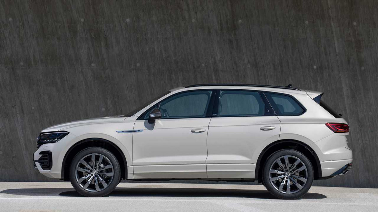 9 VW Touareg ONE Million Celebrates SUV's Production Milestone