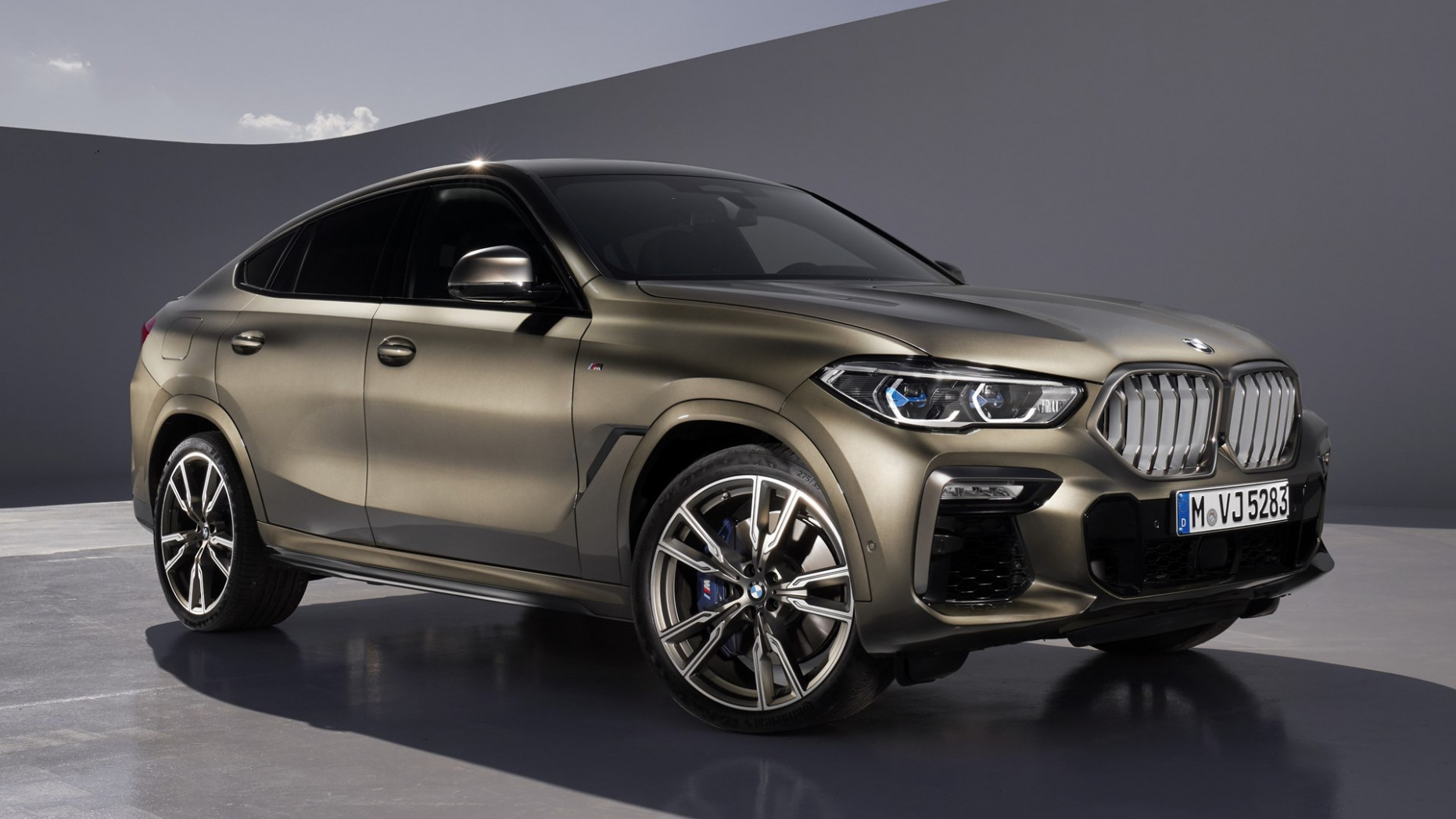 BMW Reveals Redesigned 8 BMW X8 Crossover With 8-hp V8 ...
