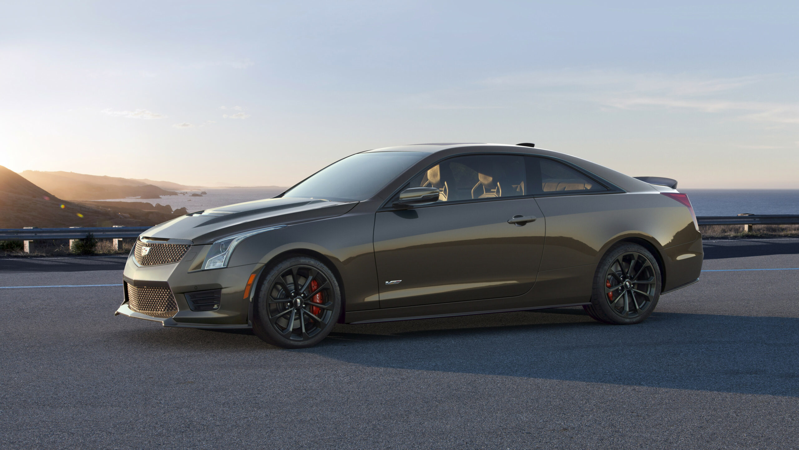 Cadillac introduces the 8 V-Series Pedestal Edition