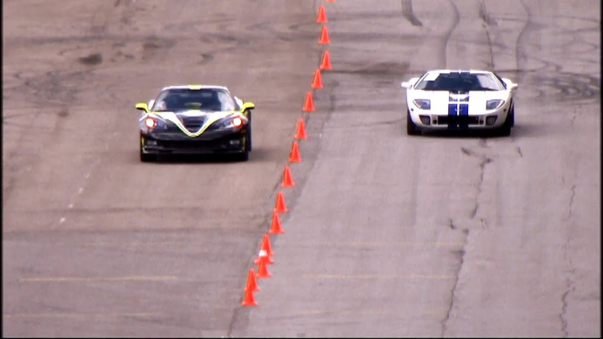Chevrolet Corvette ZR8 vs Ford GT8 (Heffner GT-8000) @ 8 km/h - 2020 zr1 vs ford gt