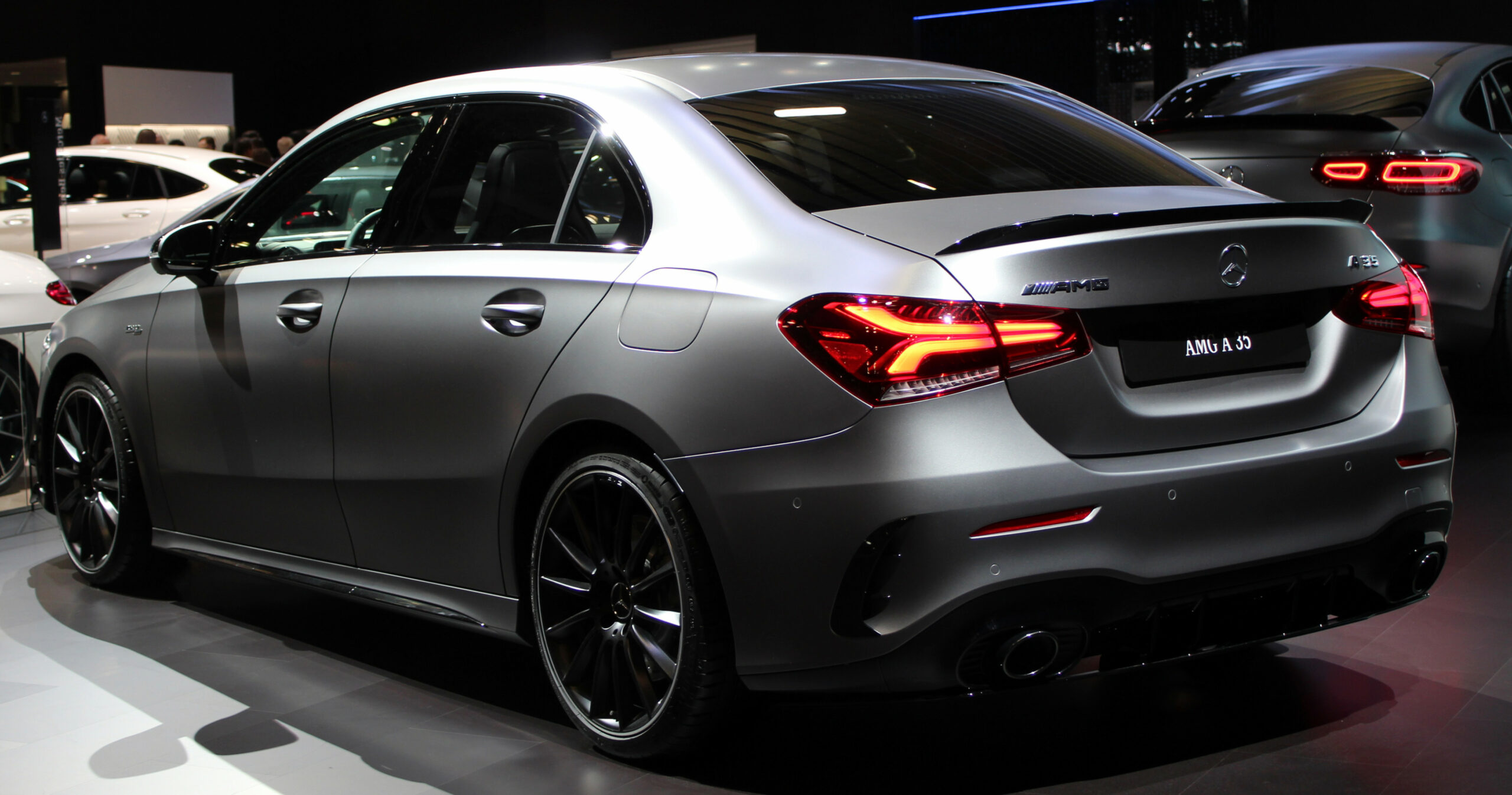 Datei:9 Mercedes-AMG A 9 9Matic sedan rear NYIAS 9.jpg ..