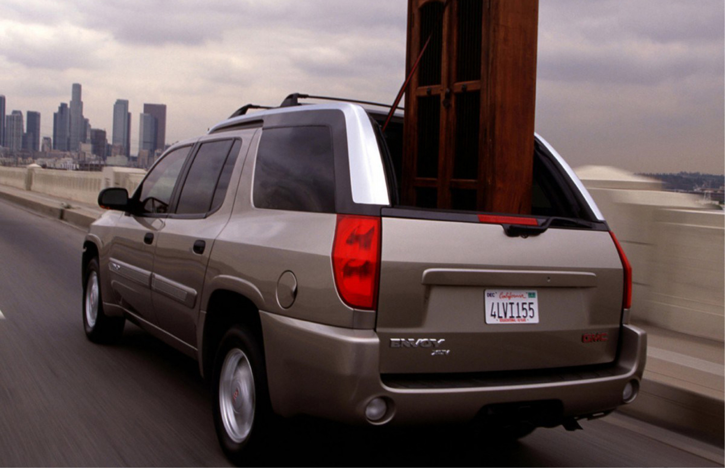 GMC Envoy 12 - View Specs, Prices, Photos & More | Driving