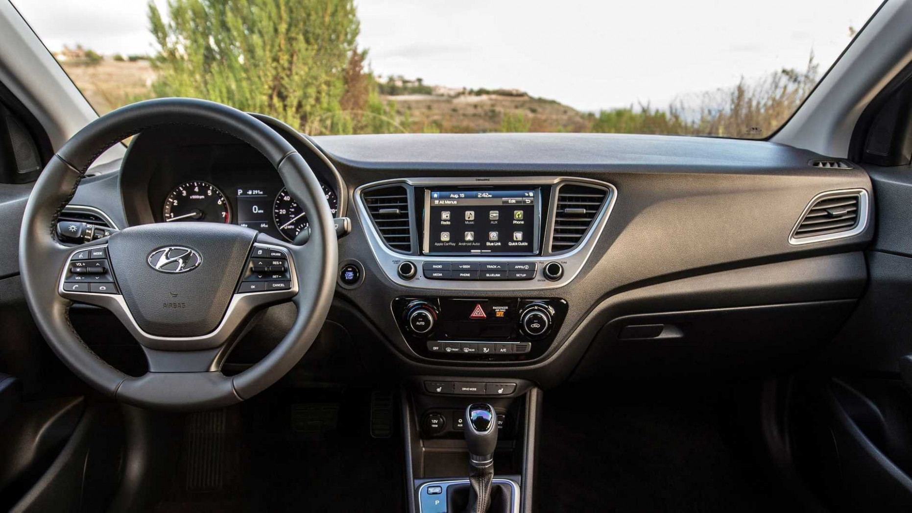 Hyundai Hatchback Accent 10 Review and Specs | Hyundai accent ...