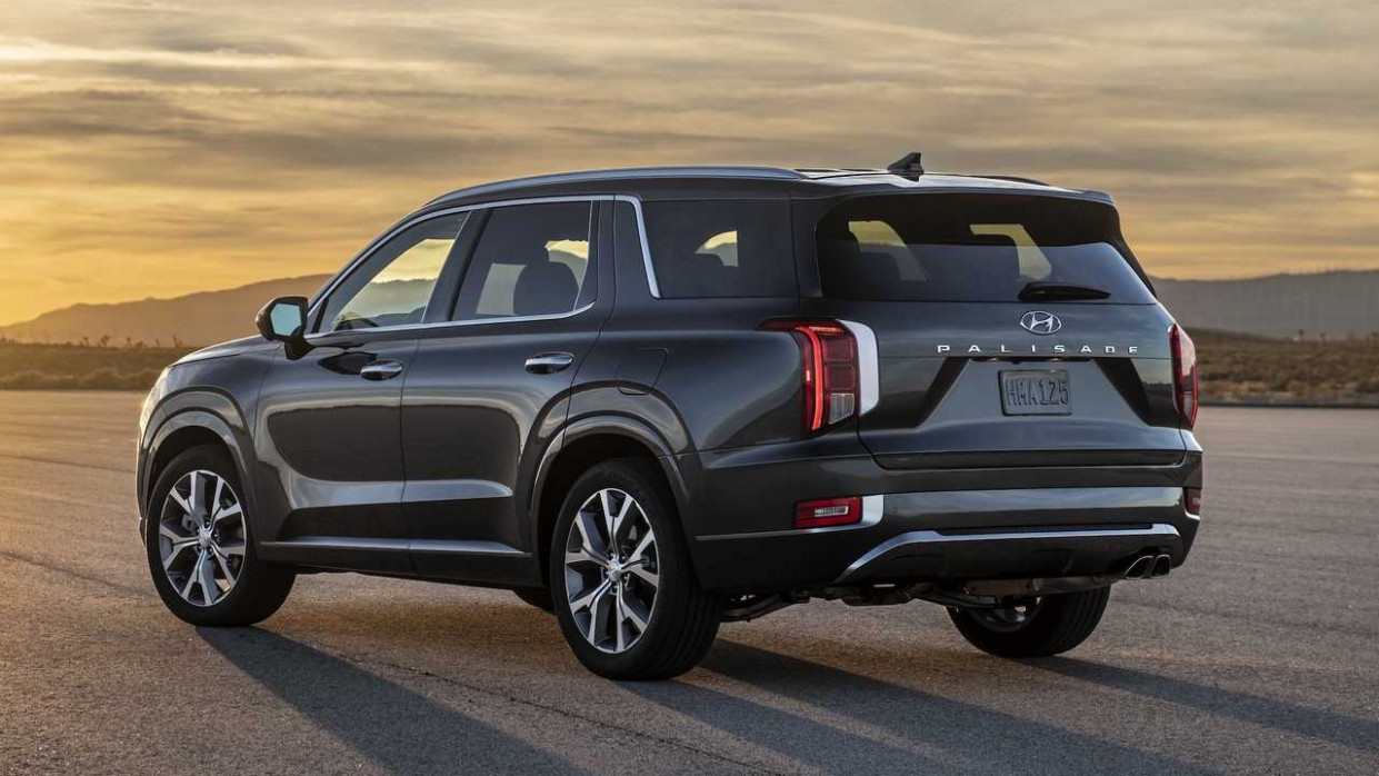 Hyundai Palisade Costs Way More Than Kia Telluride To Lease