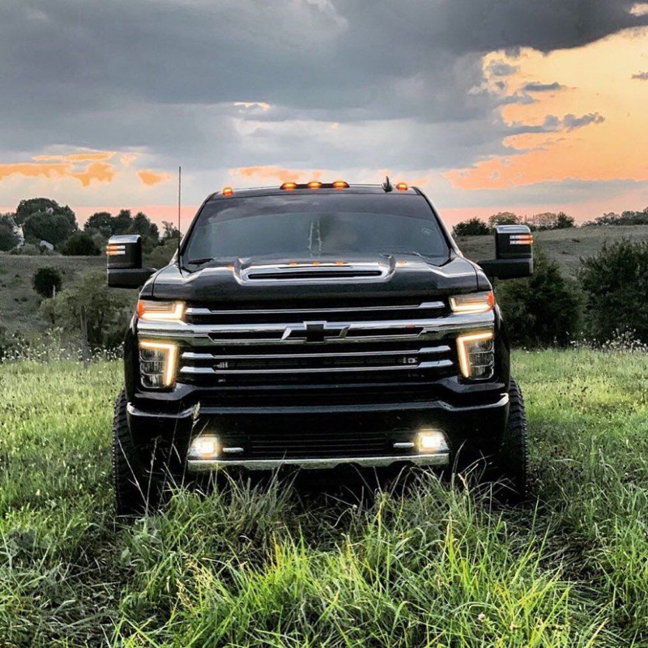 jacobhiler12 with one of the best looking Silverado 12 HD High ..