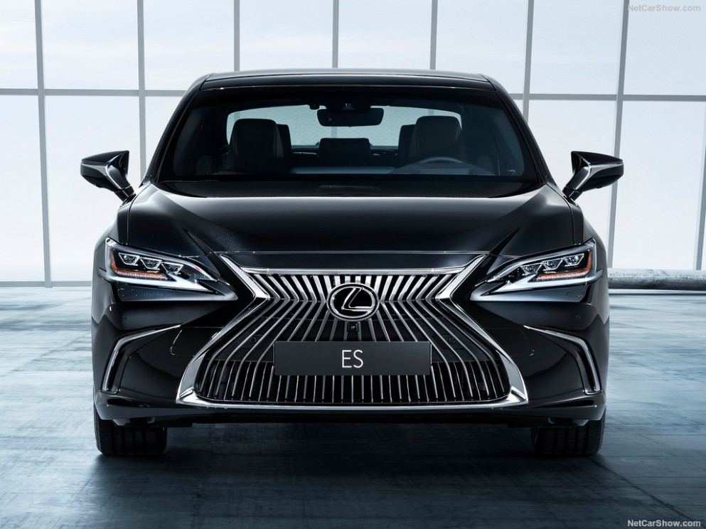 Lexus ES 8 8 Hybrid in UAE: New Car Prices, Specs, Reviews ..