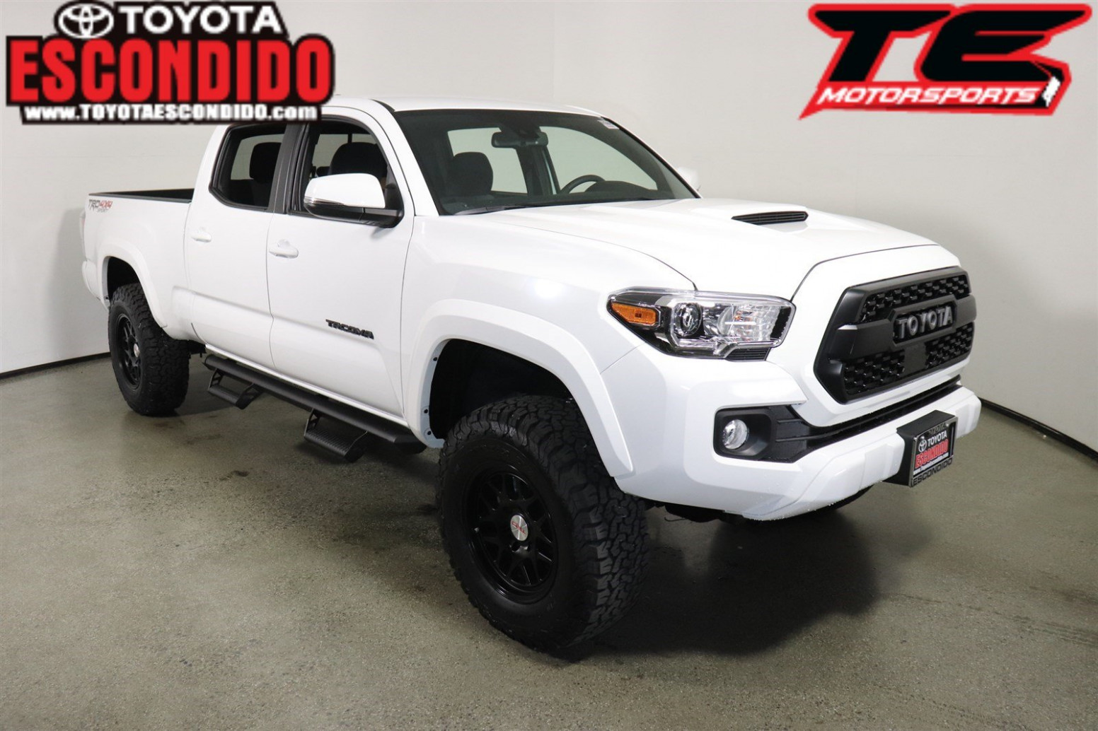 New 8 Toyota TACOMA TRD Sport Double Cab 8' Bed V8 AT (Natl)