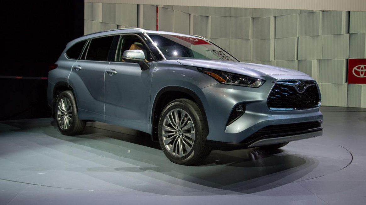 New Toyota Highlander debuts in New York with better looks ...
