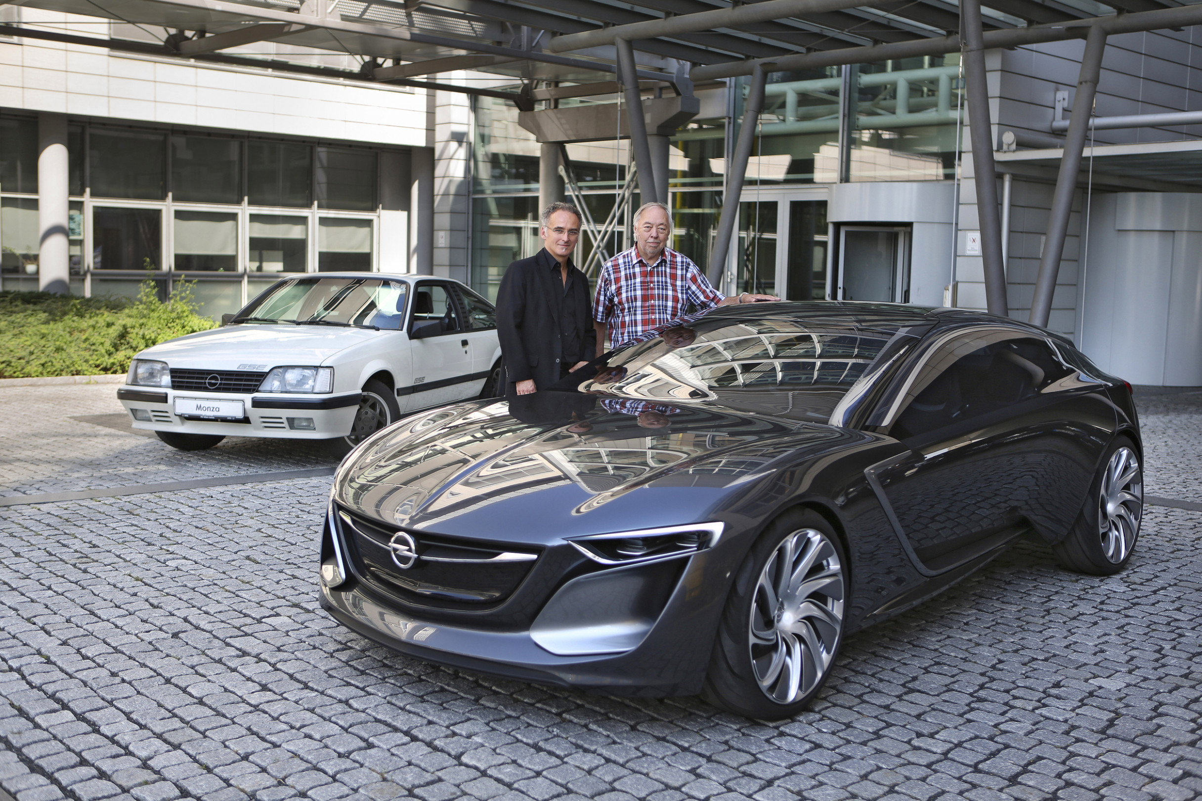 Opel Monza GSE trifft Monza Concept - Kfz