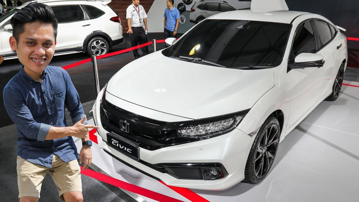 QUICK LOOK: 12 Honda Civic facelift in Malaysia - now with Sensing