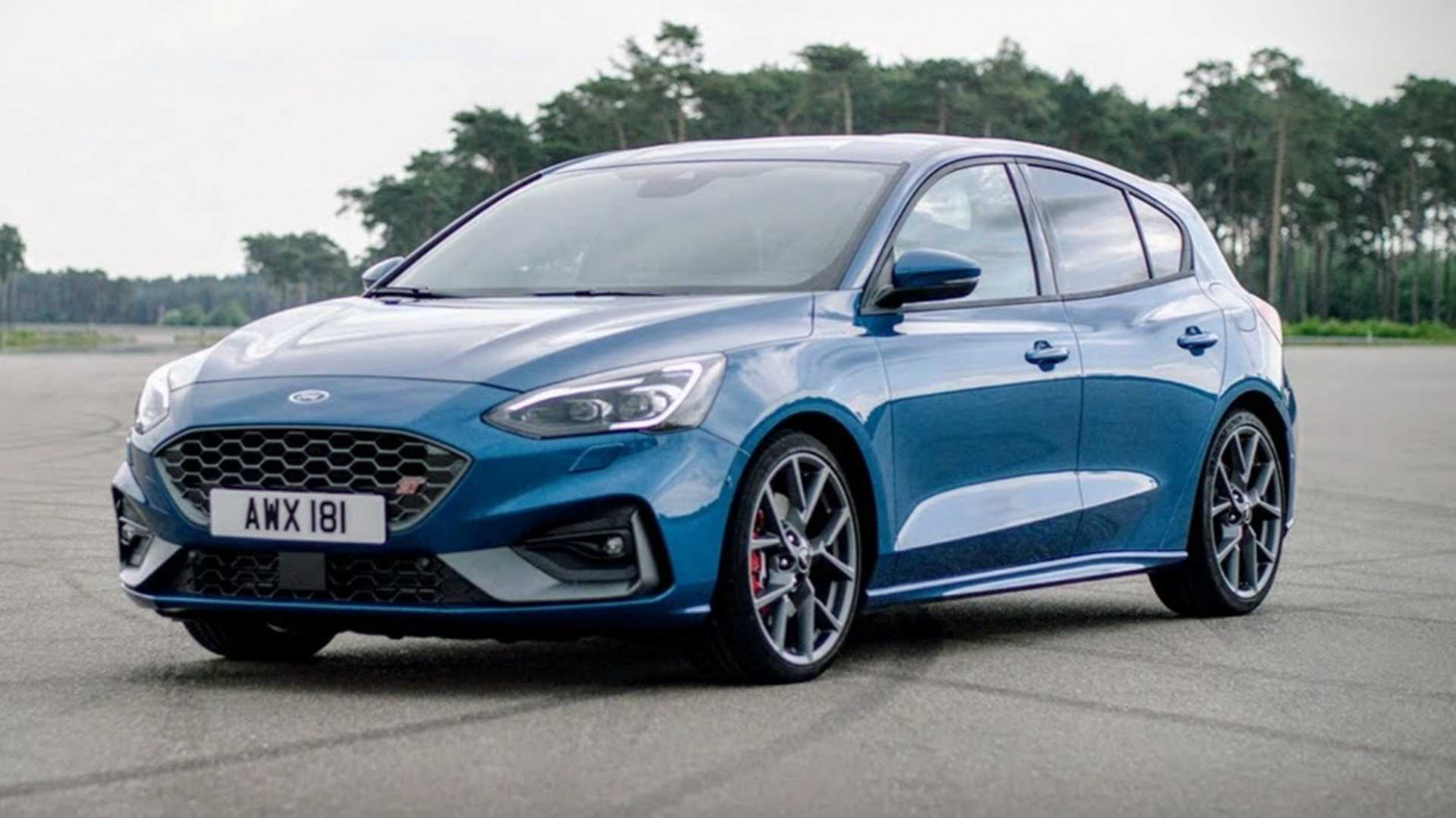 See The 11 Ford Focus ST Do Acceleration Test In New Promo - 2020 ford hatchback