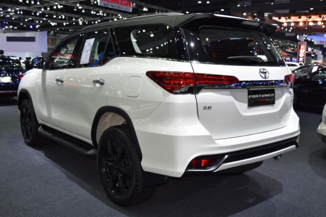 Toyota New Fortuner 12 Performance And New Engine | Camionetas ..